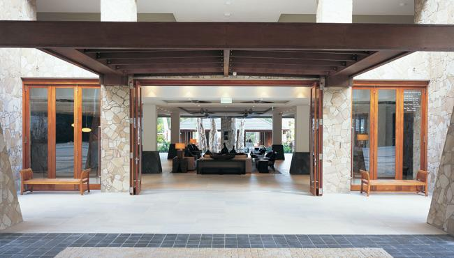 Centor E4 external folding hardware used in a hotel entrance