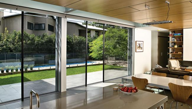 Centor S1 with retractable insect screen with no pleats