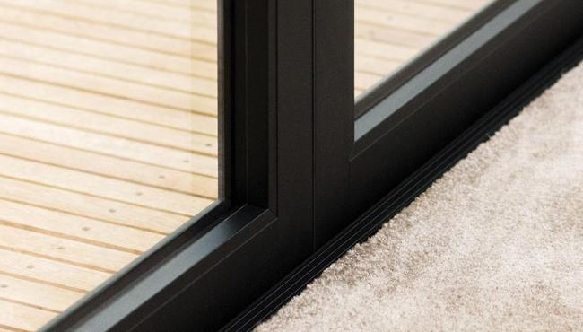Centor 300 and 400 Series Doors with aluminium finish
