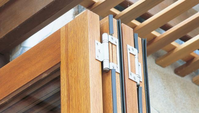 Centor E2 folding door hardware offset hinge