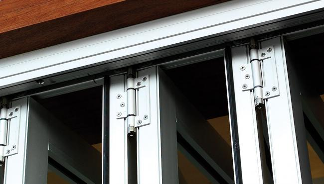 Centor E2 folding door hardware straight hinge