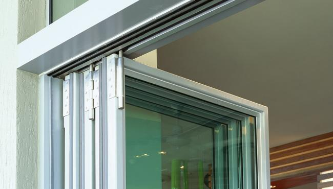 Centor E4 pivot for folding doors