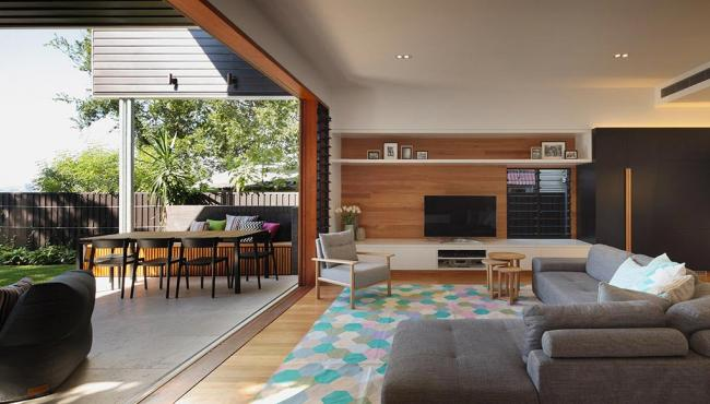 Architect Shaun Lockyer explains how you can achieve a seamless flow between indoor and outdoor living spaces.