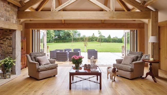 This barn conversion embodies a contemporary twist while keeping to strict planning restrictions.