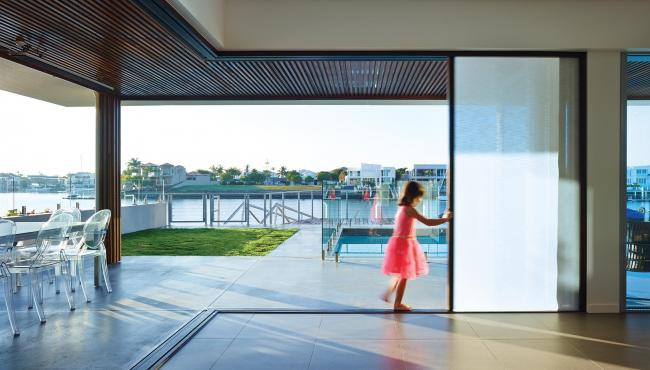 Centor 207 Cornerless bifold door includes built-in shade for control of light glare
