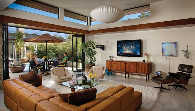 Lanai Folding Doors moved by Centor E3 Hardware