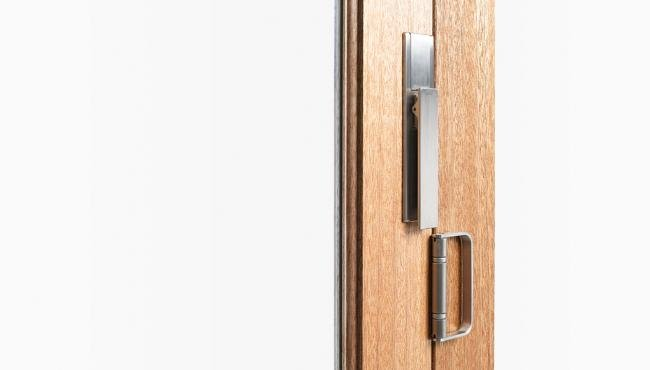 The Centor Twinpoint lock is available in options for aluminium or wood doors