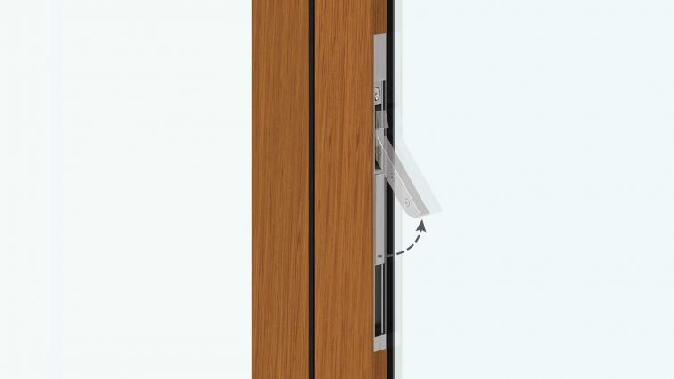 Centor AutoLatch for easily opening intermediate panels on folding doors